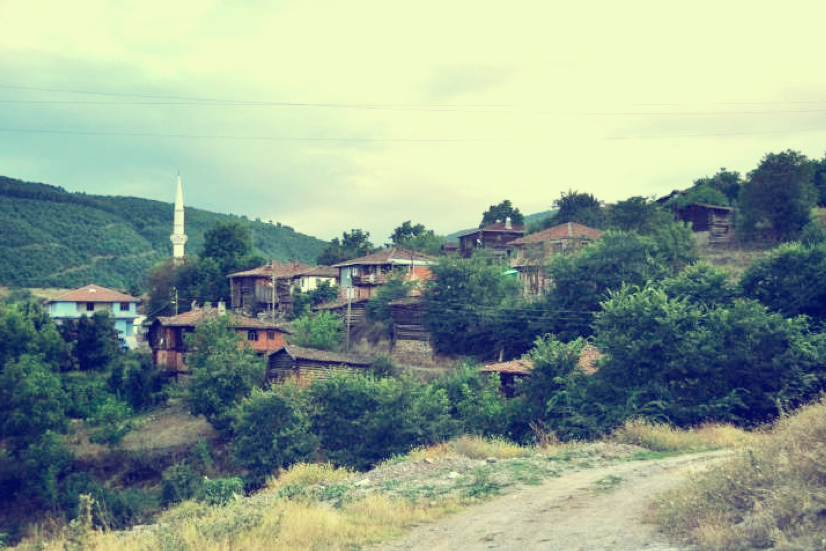 Den Sommer verbringen viele Göletlis in Gölet.